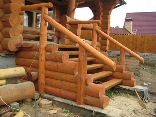 наружная лестница из дерева